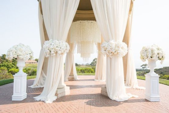 20-Pure-White-Wedding-Décor-Ideas-for-Romantic-Wedding-5
