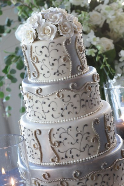 sasha-souza-silver-white-wedding-3