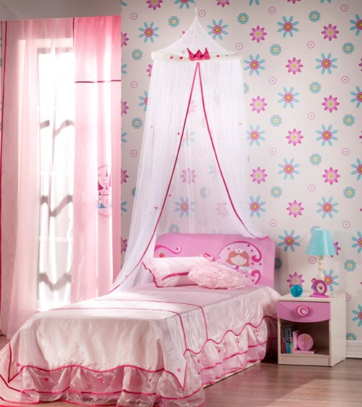 2-little-girls-bedroom-4-700x786