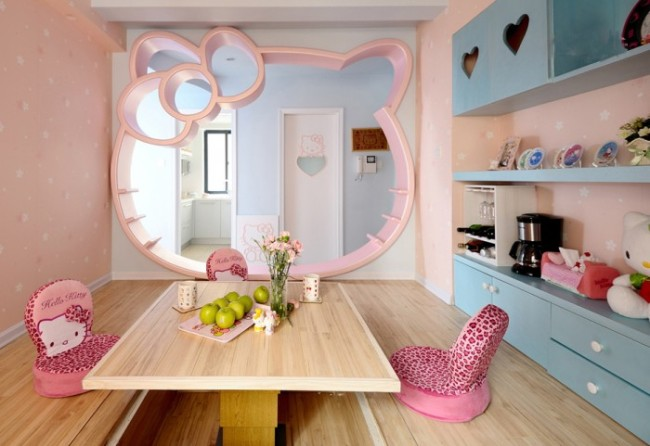 2-little-girls-bedroom-6-700x481