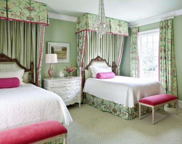 4-teen-girls-bedroom-54-700x554