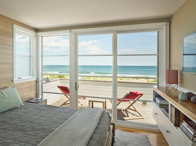 Beach-style-bedroom-with-cool-sliding-doors